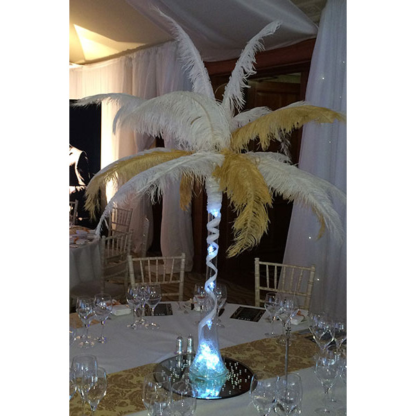clear-vase-white-and-gold-feather